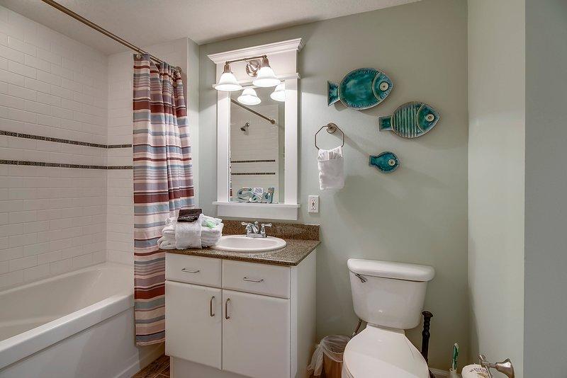 Grand Panama 1808-Second shared Bathroom