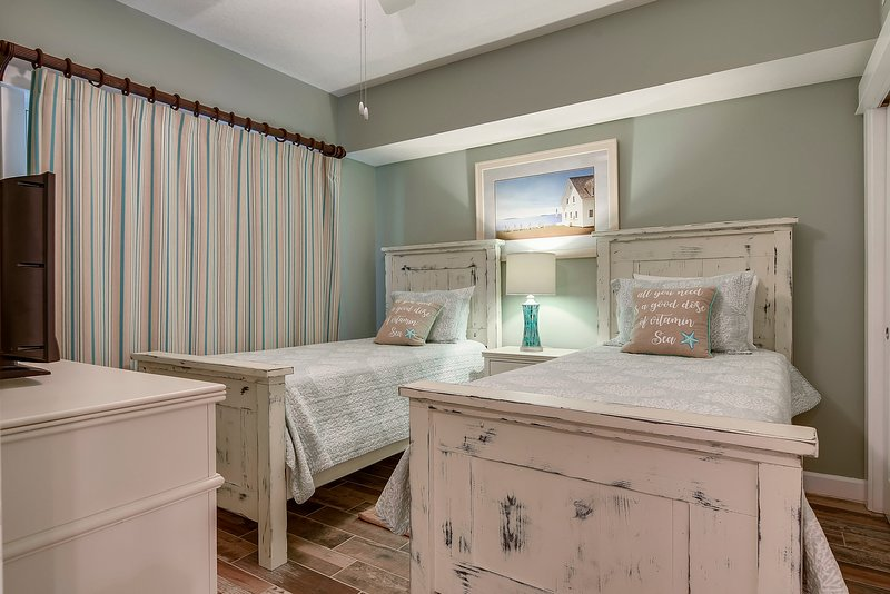 Grand Panama 1808-Second Bedroom with two Twin Sized Beds