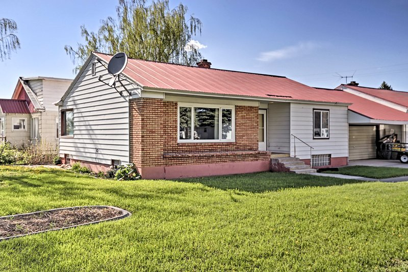 Situated on a quiet street, this home is ideal for friends or family.