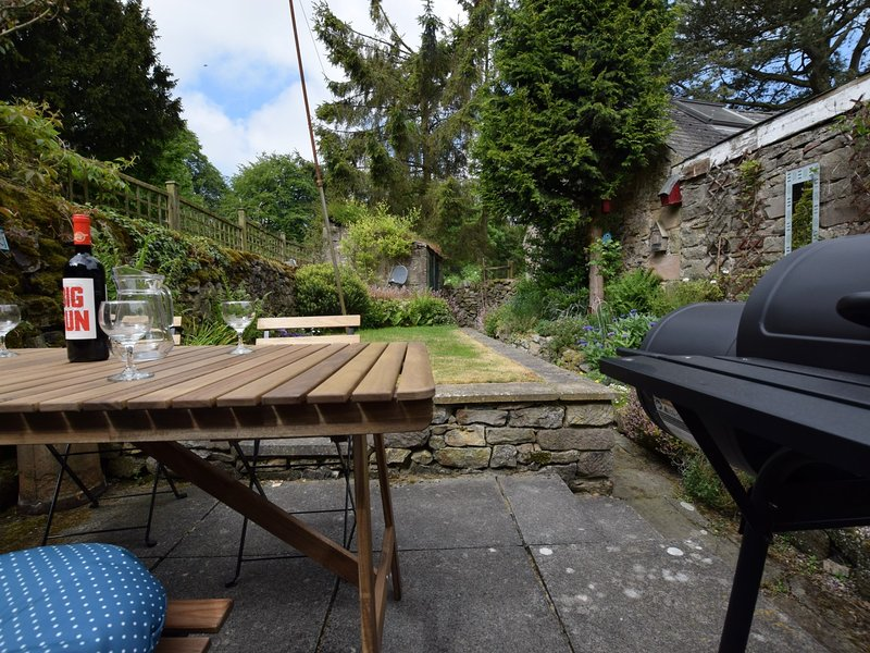 Great for sitting out and having a BBQ