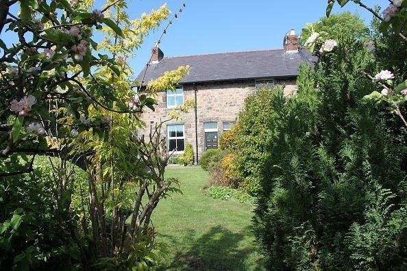 Vue de la propriété depuis le jardin
