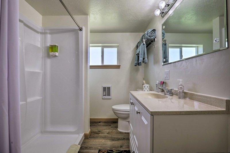 2 salles de bains, tout le monde a beaucoup d'espace pour se préparer le matin.