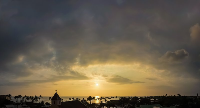 Just another sunset over Kona bay, from the lanai....