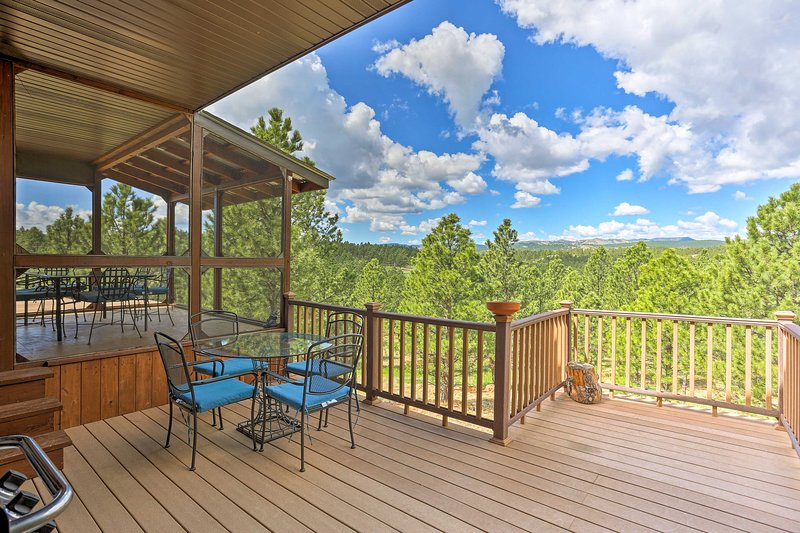 Hermosa Home w/ Blackhills View, Gas Grill & Deck!, vacation rental in Hermosa