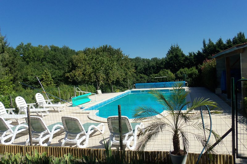 Nice villa with swimming-pool, holiday rental in Fossemagne