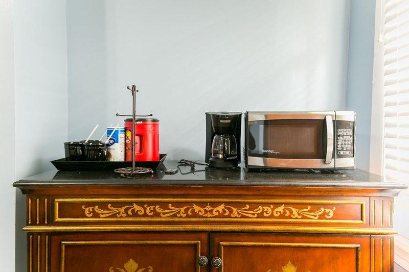 Microwave, Coffemaker