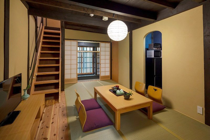 5 min to NIJO Castle x Cozy house in a Quiet neighborhood x WiFi x Free Shuttle!, location de vacances à Kyoto