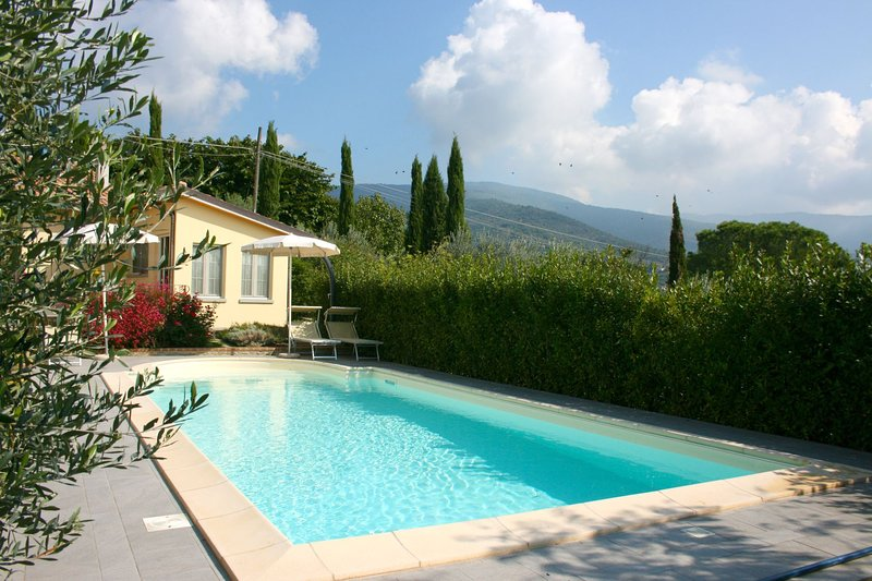 Sant'Angiolo Villa Sleeps 3 with Pool and Air Con - 5490585, holiday rental in San Pietro a Cegliolo
