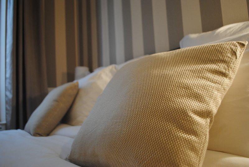 Appartement 4 étoiles proche centre et gare - 53m2 pour 2 personnes, holiday rental in Marne