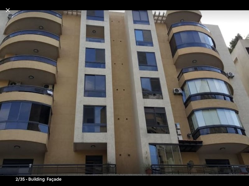byggnadens fasad