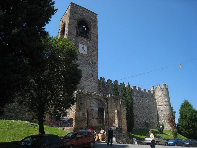 Moniga's castle worths a visit and the nearby bar as well for a good Pirlo