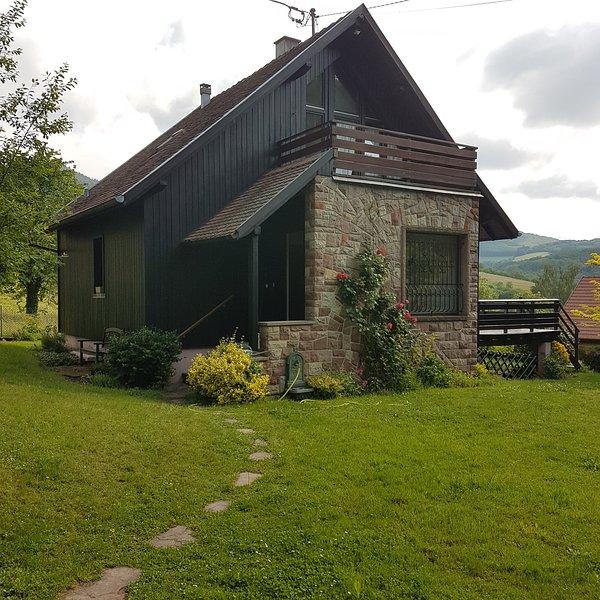 LE BREIT, maison de charme avec sa dépendance dans un ecrin de verdure, alquiler vacacional en Breitenau