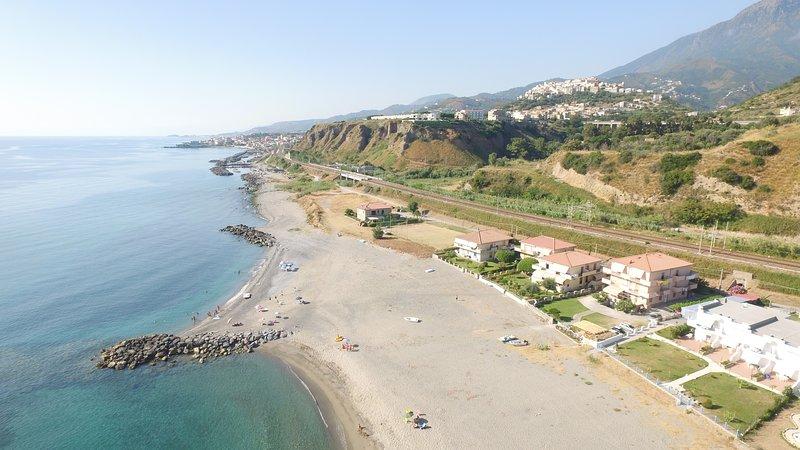 Appartamento direttamente sulla spiaggi a 70 metri dal mare., vakantiewoning in Sangineto