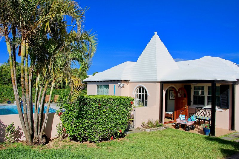 beachwalkcottage stepstopriv beach largepool near hamilton rh tripadvisor com