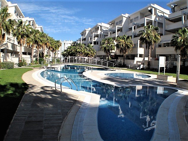 Elegance 19,  modern apartment, near beach & town, Wi-Fi, air con, sleeps 4, location de vacances à Denia