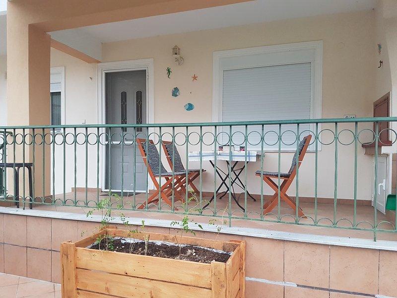 Holiday apartment in Ofriniou beach Tuzla, holiday rental in Paralia Ofriniou
