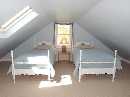 Second Floor Bedroom with 3 Twin Beds
