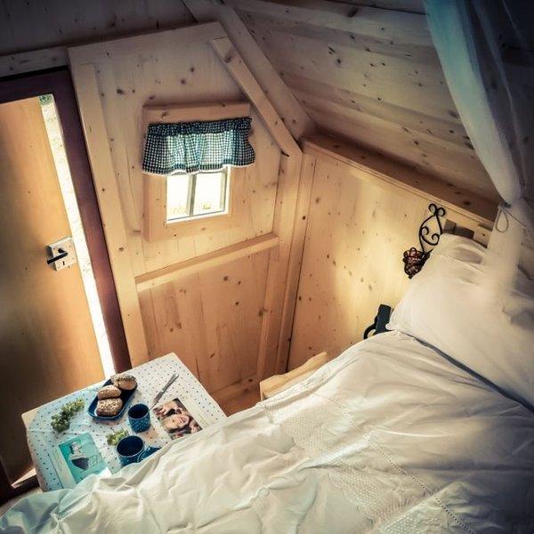 Chambre d'hôtes insolites / la cabane  'once upon a time', casa vacanza a Saint-Etienne-de-Cuines