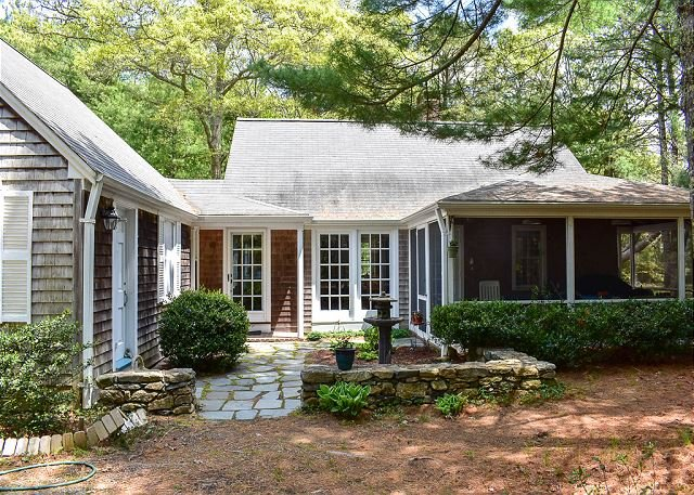 Four bedroom Bass River home located next to 12 acre pine forest, holiday rental in South Yarmouth