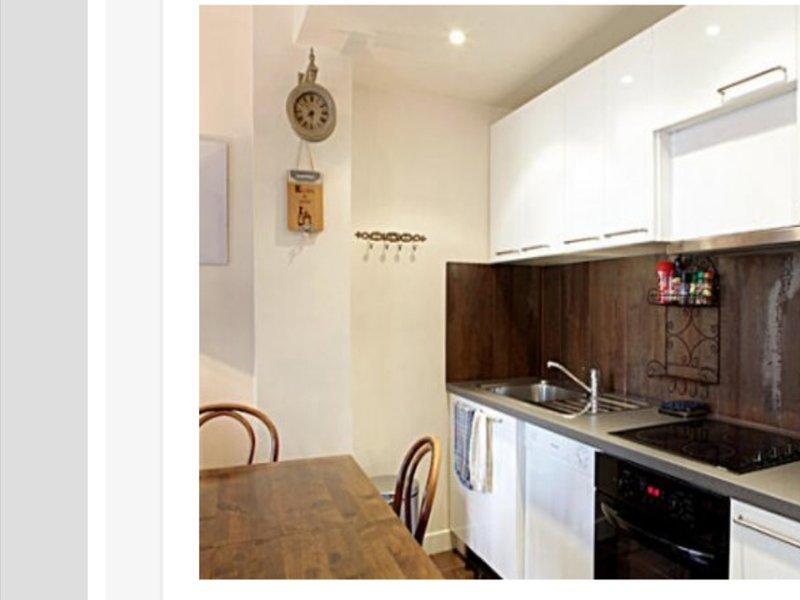 Fully equipped modern kitchen, dishwasher, microwave, oven, large fridge-freezer, ...