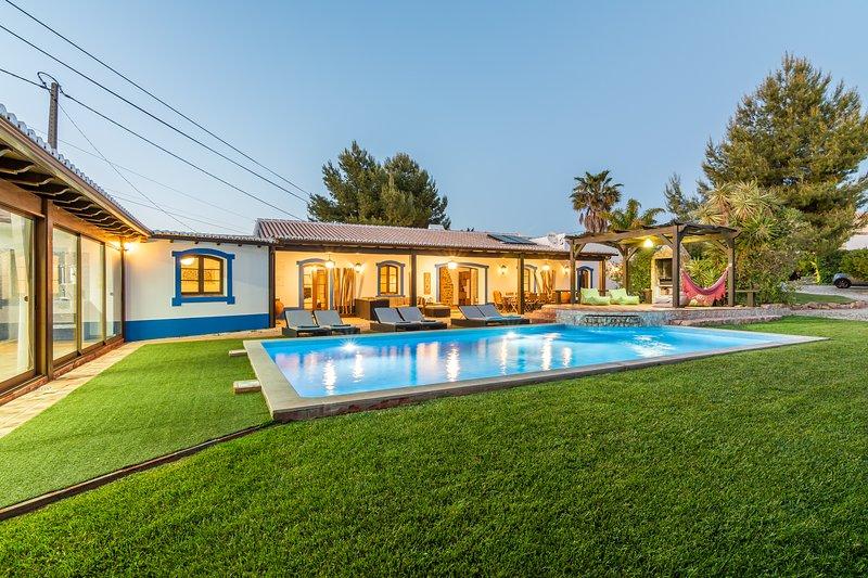 Villa Charm Cover Photo