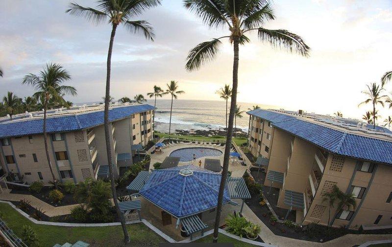 Kona Reef Resort Exterior Pool
