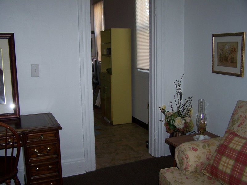 Charming little italy house apt, holiday rental in South Euclid