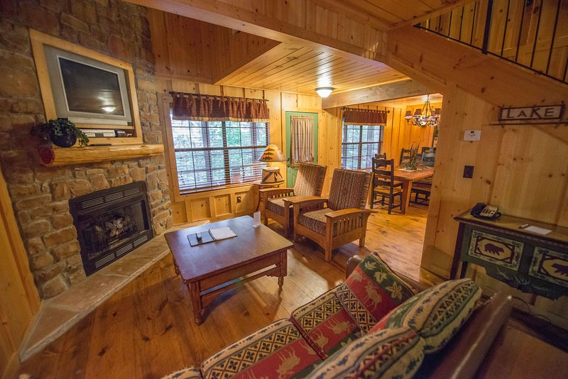 Cool Pet Family Friendly Cabin W Wifi Fireplace Resort Pool Download Free Architecture Designs Meptaeticmadebymaigaardcom