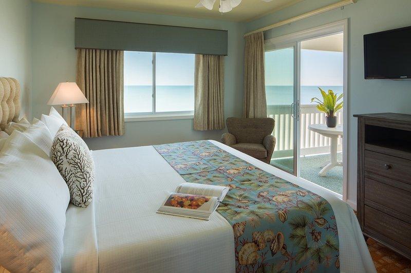 Sandpebble Beach Club Two Bed Unit Master