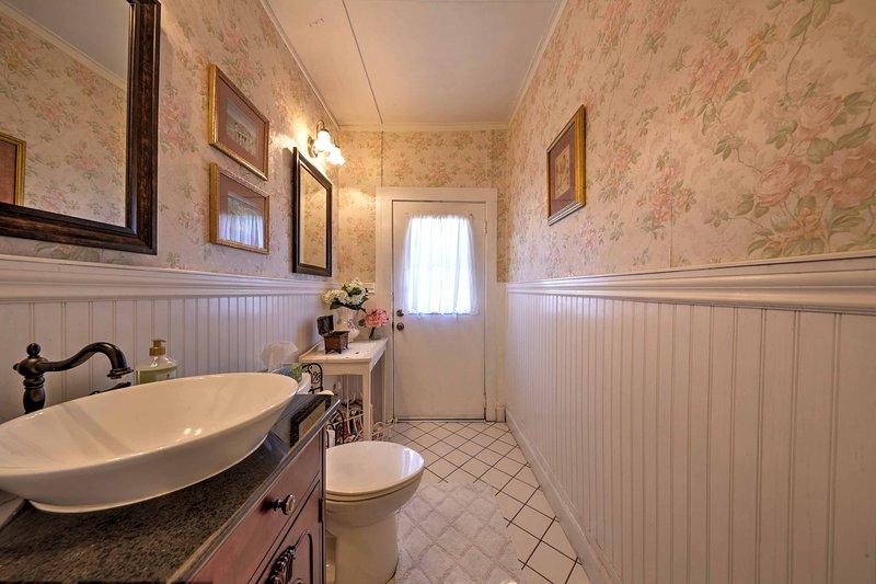 Cette salle de bains moitié sera utile!