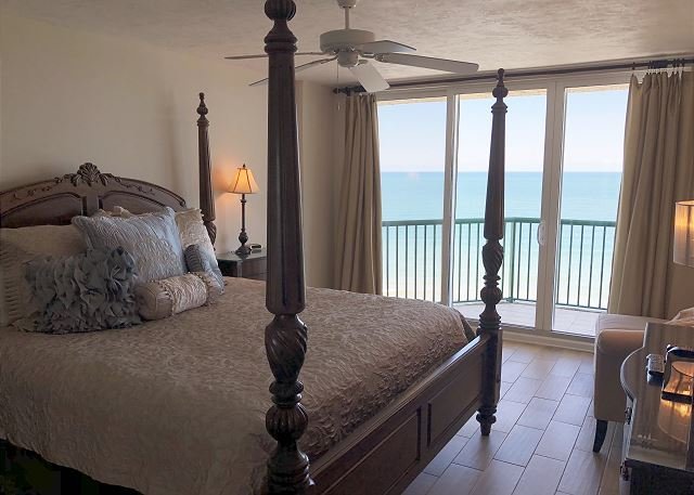 Direct Oceanfront Penthouse 3/3 With Spectacular Views of the Ocean, location de vacances à Daytona Beach Shores