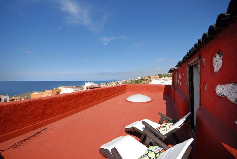 Spacious house with sea view & Wifi, location de vacances à El Amparo