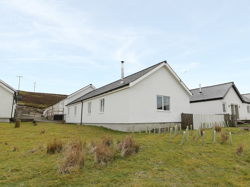 4 MOUNTAIN LODGE, Pet-friendly, Smart TV, WiFi, Ref. 980600., vacation rental in Kirkconnel