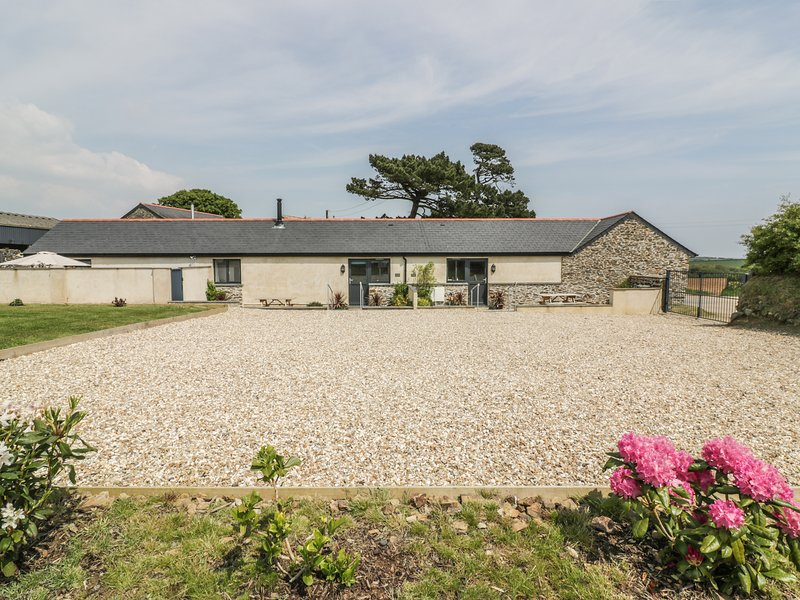 TREVENNA STABLES, ground floor accommodation, en-suite, open-plan living, Ref, location de vacances à Portloe