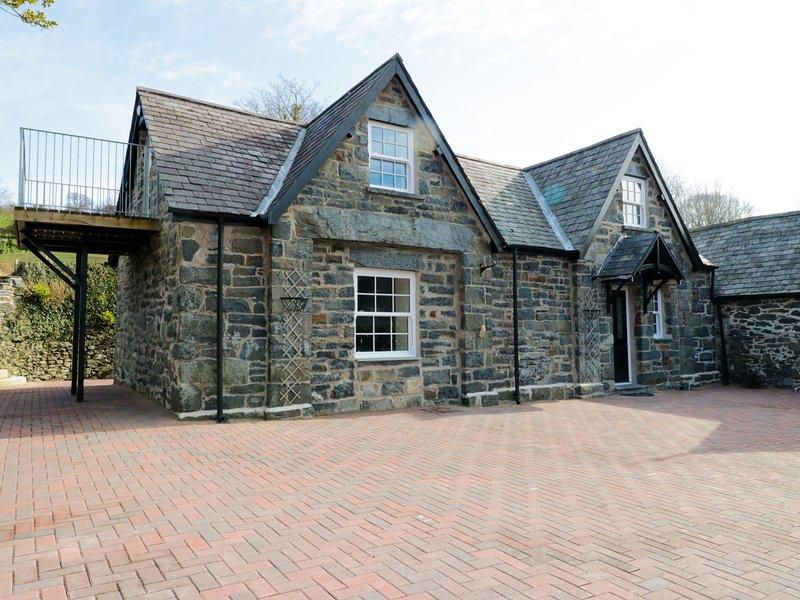 THE COACH HOUSE, character, rural, Llanrwst, ref 960680, vacation rental in Llanrwst