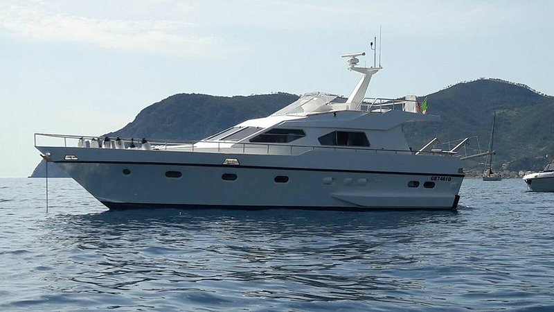 Charter c-bab - Cabina Armatoriale, holiday rental in Neirone