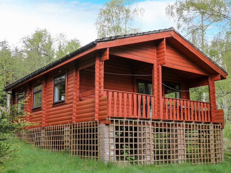 EAGLE LODGE, open-plan living, Blackmuir Forest, Dingwall 5 miles, Ref 974034, vakantiewoning in Dingwall