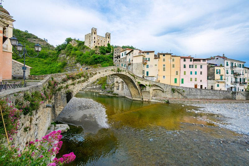 Dolceacqua Secondo, holiday rental in Ventimiglia