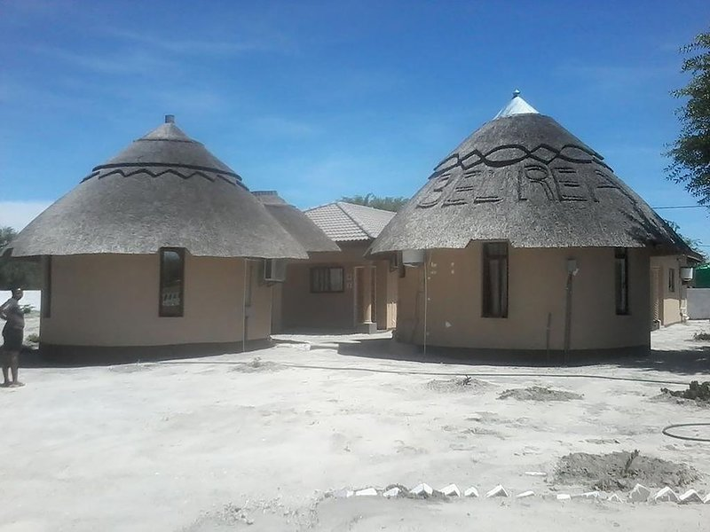 BEL REA GUEST LODGE NATA: Tent 2, holiday rental in Nata