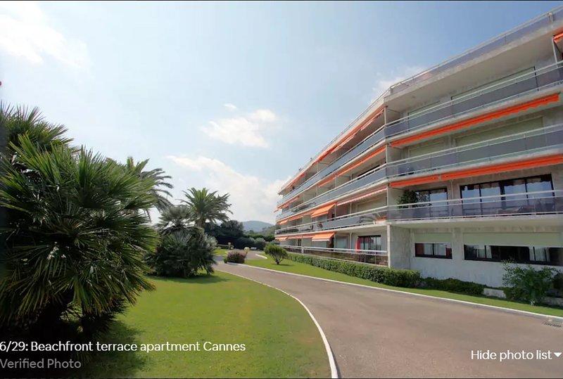 Beachfront Apartment - Seaview Cannes Mandelieu - Résidence Etoile de Mer – semesterbostad i Mandelieu-la-Napoule