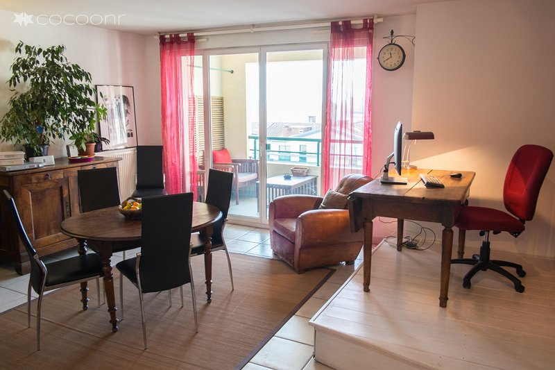 BAZACLE - grand appartement tout confort 2 chambres et Parking proche centre, vacation rental in Toulouse
