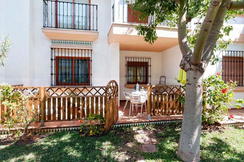 Ricky´s Village EL PATIO: Apartamento  con piscina junto a la playa., holiday rental in Denia