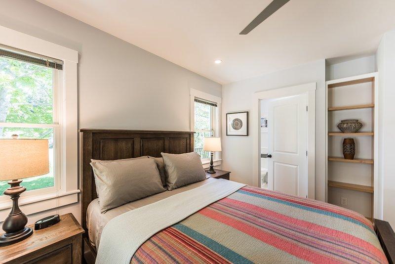 1er nivel dormitorio principal en suite, con TV