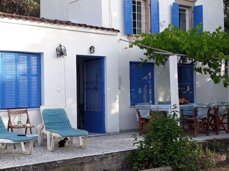 Wild Olive Cottage, holiday rental in Tavari
