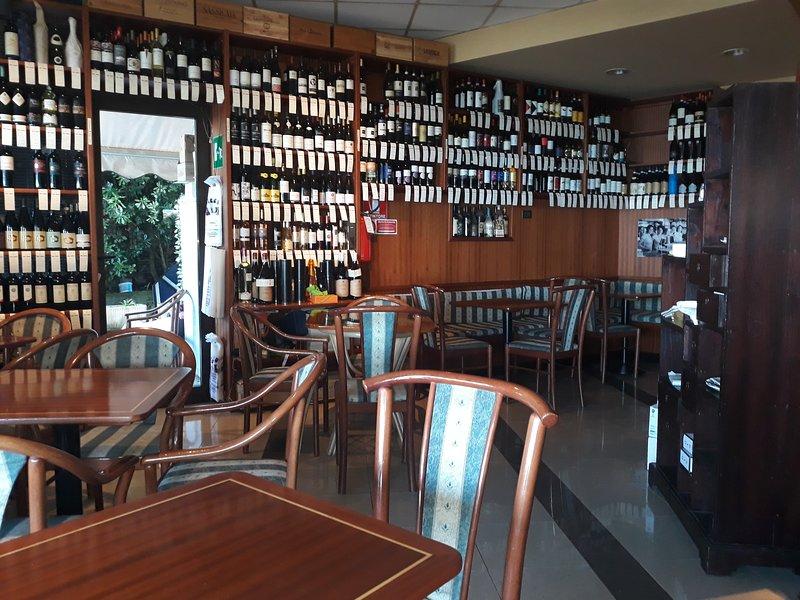 Bar Nicco 100 Meter Wein / Essen / Cocktail-Bar