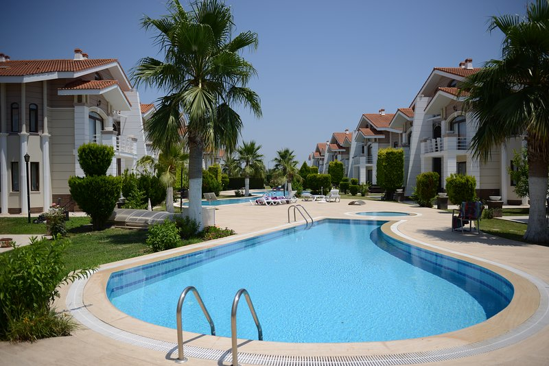 Both Villas 9 & 10 in one Booking!!, aluguéis de temporada em Belek