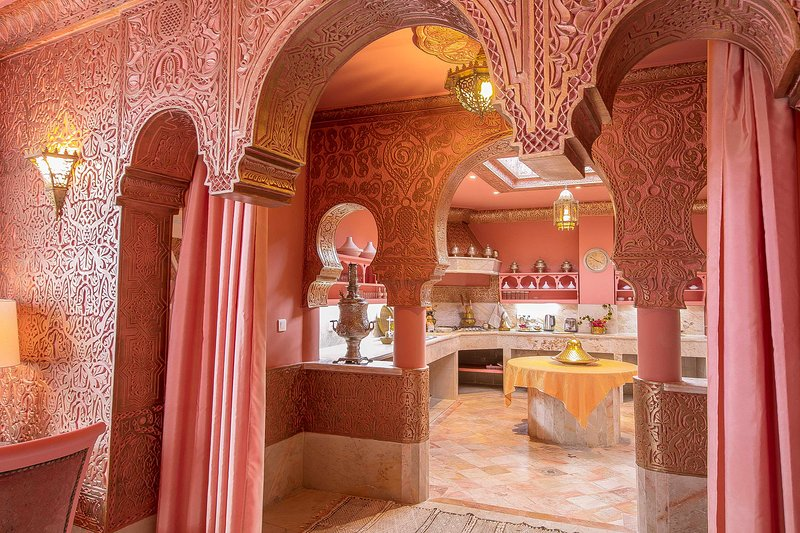 'RIAD DAR EL MALAIKA'.  Suite Rose, holiday rental in El Jadida