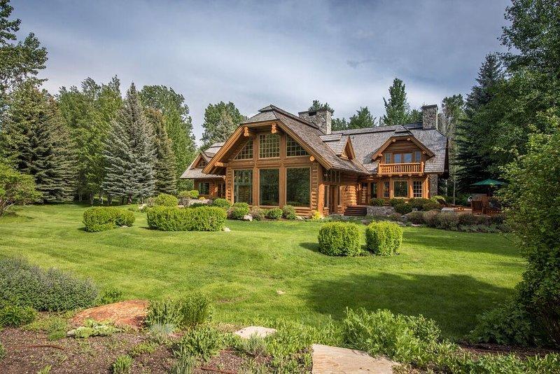 Osprey y Propiedades casa principal. Más de 7,000 sq. Ft. Marco muy bien equipada casa de madera.