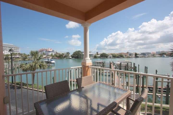 Grande terrasse privée avec salon pour 6-8 belles vues Regardez-Intracoastal eau les dauphins et les bâteaux