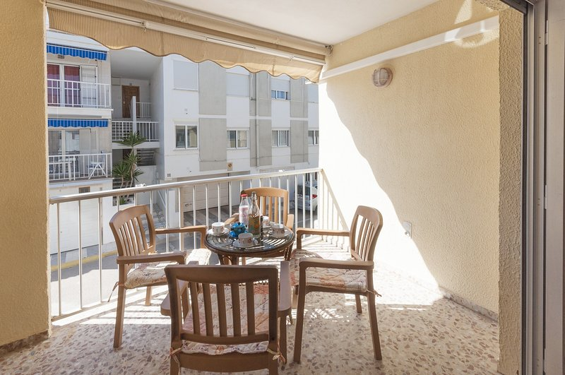 VESCOMTE - Apartment for 7 people in Oliva, holiday rental in Oliva